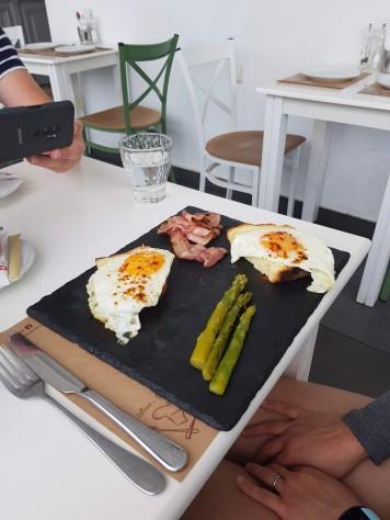 Eggs, Bacon and Asparagus